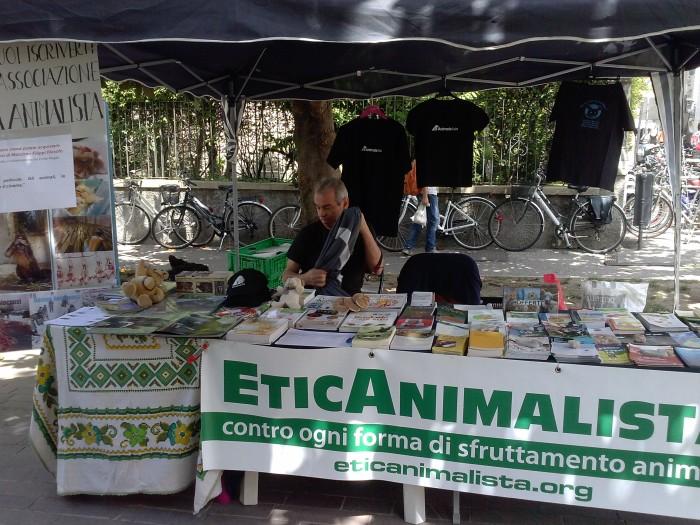 01.06.2014 TAVOLO INFORMATIVO - ARCO TN ALLA FESTA VEG DEGLI ANIMALI 72