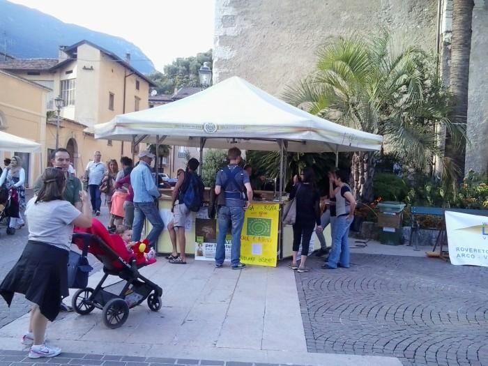 01.06.2014 TAVOLO INFORMATIVO - ARCO TN ALLA FESTA VEG DEGLI ANIMALI 77