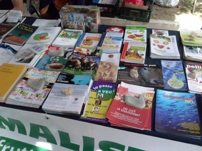 01.06.2014 TAVOLO INFORMATIVO - ARCO TN ALLA FESTA VEG DEGLI ANIMALI 31
