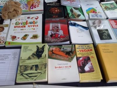 01.06.2014 TAVOLO INFORMATIVO - ARCO TN ALLA FESTA VEG DEGLI ANIMALI 33