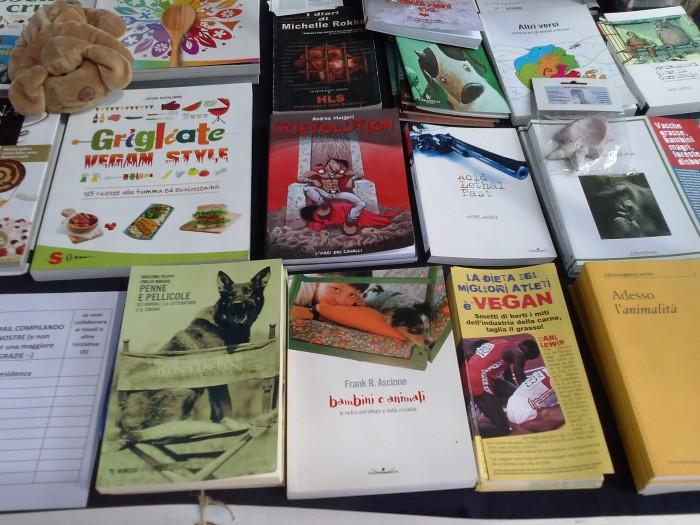 01.06.2014 TAVOLO INFORMATIVO - ARCO TN ALLA FESTA VEG DEGLI ANIMALI 84