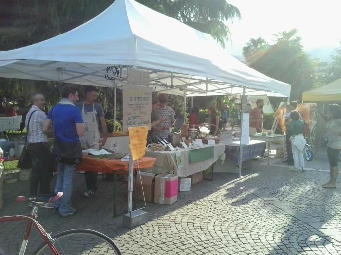 01.06.2014 TAVOLO INFORMATIVO - ARCO TN ALLA FESTA VEG DEGLI ANIMALI 90