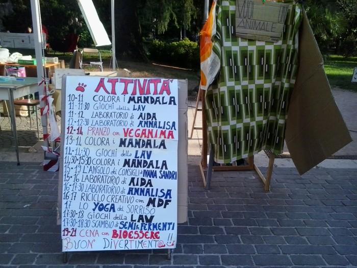 01.06.2014 TAVOLO INFORMATIVO - ARCO TN ALLA FESTA VEG DEGLI ANIMALI 93