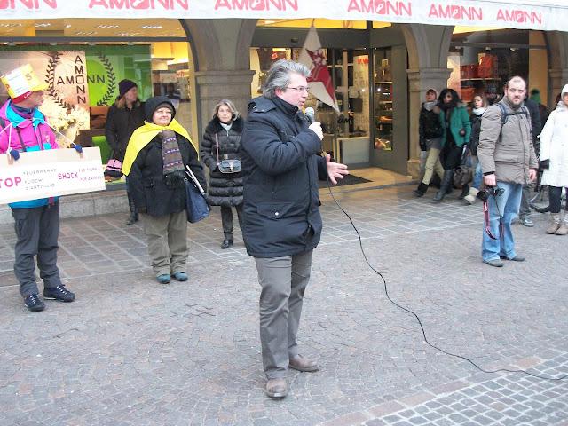 Bolzano 04.02.2012 manifestazione contro lo sfruttamento degli animali 323
