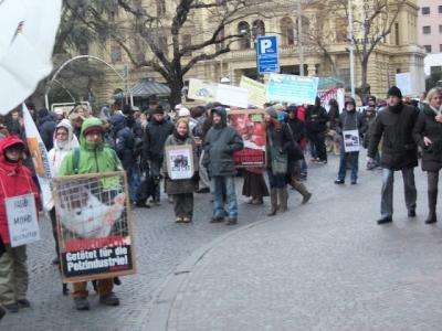 Bolzano 04.02.2012 manifestazione contro lo sfruttamento degli animali 110
