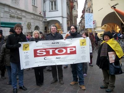 Bolzano 04.02.2012 manifestazione contro lo sfruttamento degli animali 114