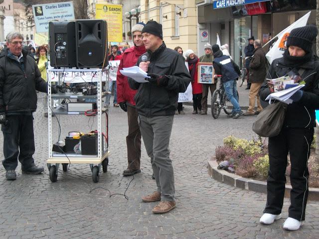 Bolzano 04.02.2012 manifestazione contro lo sfruttamento degli animali 298