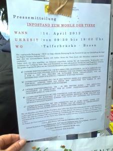 14.04.2012 - BOLZANO - TAVOLO INFORMATIVO CONTRO LA CACCIA E SULL'ALIMENTAZIONE VEGANA 9