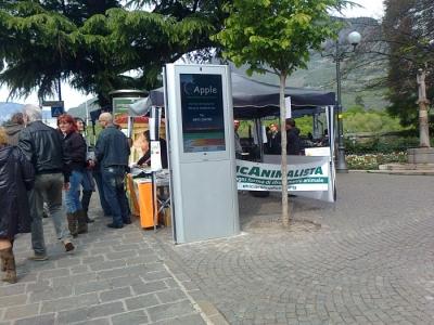 14.04.2012 - BOLZANO - TAVOLO INFORMATIVO CONTRO LA CACCIA E SULL'ALIMENTAZIONE VEGANA 21