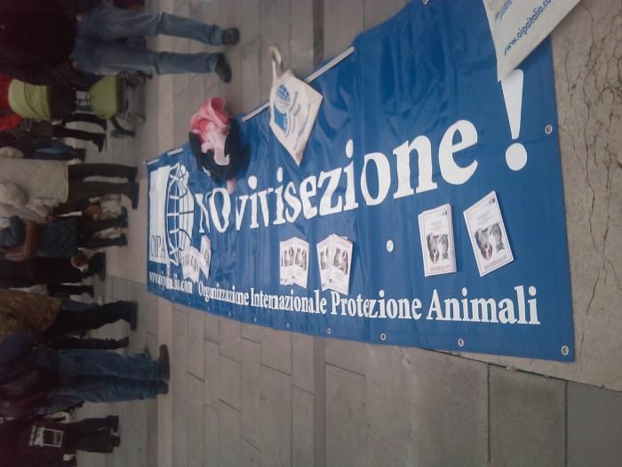 MANIFESTAZIONE CONTRO LA VIVISEZIONE - MILANO 5 marzo 2011 165