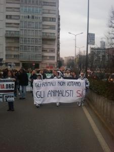 MANIFESTAZIONE CONTRO LA VIVISEZIONE - MILANO 5 marzo 2011 96