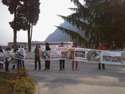 Riva del Garda 26.03 - Sit-in contro la fiera della caccia e della pesca 41