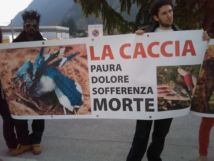 Riva del Garda 26.03 - Sit-in contro la fiera della caccia e della pesca 92