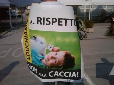 Riva del Garda 26.03 - Sit-in contro la fiera della caccia e della pesca 2
