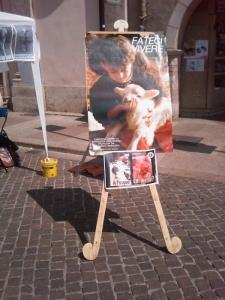 16 aprile 2011 - TAVOLO INFORMATIVO SU MASSACRO AGNELLI E CAPRETTI PERIODO PASQUALE 41