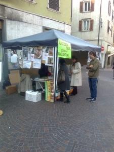 TAVOLO INFORMATIVO SULLA STRAGE PASQUALE DI AGNELLI E CAPRETTI - 24.03.2012 5
