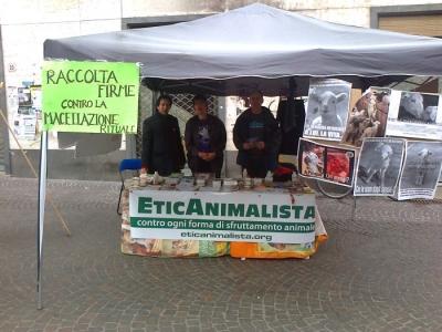 TAVOLO INFORMATIVO SULLA STRAGE PASQUALE DI AGNELLI E CAPRETTI - 24.03.2012 16