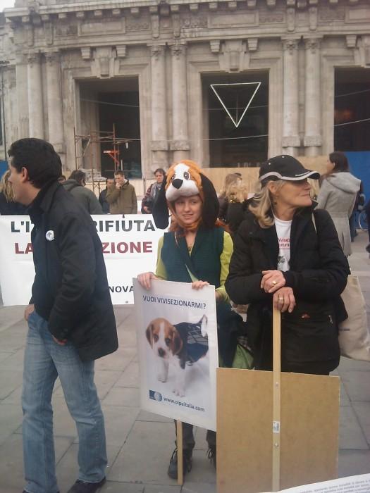 MANIFESTAZIONE CONTRO LA VIVISEZIONE - MILANO 5 marzo 2011 111