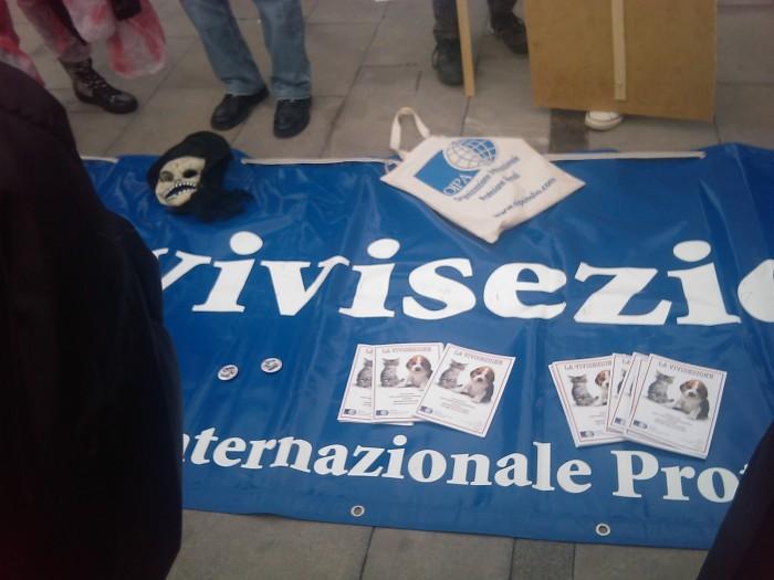 MANIFESTAZIONE CONTRO LA VIVISEZIONE - MILANO 5 marzo 2011 119