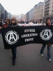 MANIFESTAZIONE CONTRO LA VIVISEZIONE - MILANO 5 marzo 2011 18