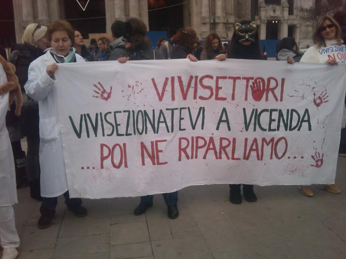 MANIFESTAZIONE CONTRO LA VIVISEZIONE - MILANO 5 marzo 2011 143