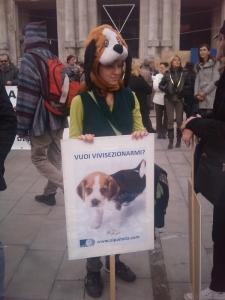 MANIFESTAZIONE CONTRO LA VIVISEZIONE - MILANO 5 marzo 2011 50