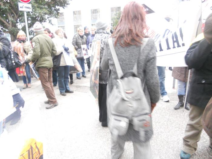 Bolzano 04.02.2012 manifestazione contro lo sfruttamento degli animali 339