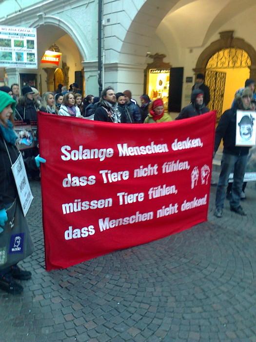 Bolzano 04.02.2012 manifestazione contro lo sfruttamento degli animali 178