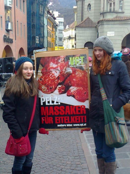 Bolzano 04.02.2012 manifestazione contro lo sfruttamento degli animali 205