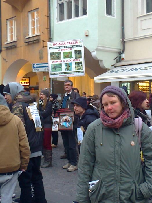 Bolzano 04.02.2012 manifestazione contro lo sfruttamento degli animali 210
