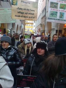 Bolzano 04.02.2012 manifestazione contro lo sfruttamento degli animali 60