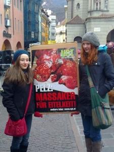 Bolzano 04.02.2012 manifestazione contro lo sfruttamento degli animali 61