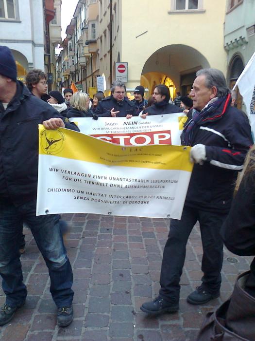 Bolzano 04.02.2012 manifestazione contro lo sfruttamento degli animali 233