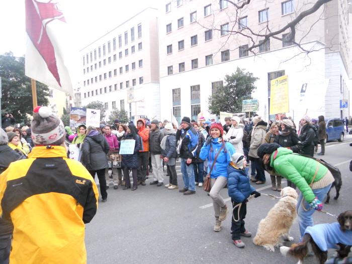 Bolzano 04.02.2012 manifestazione contro lo sfruttamento degli animali 234