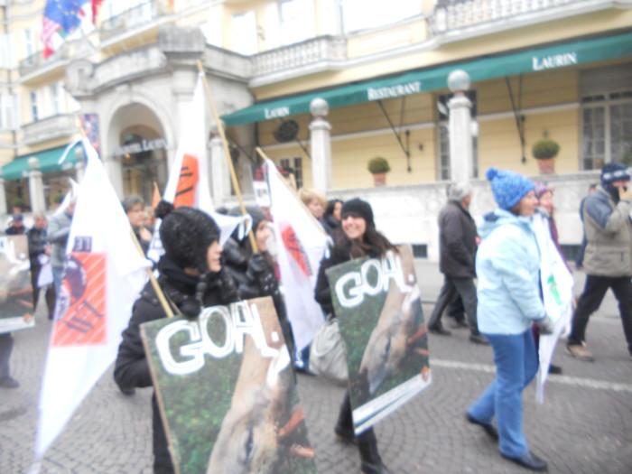 Bolzano 04.02.2012 manifestazione contro lo sfruttamento degli animali 238