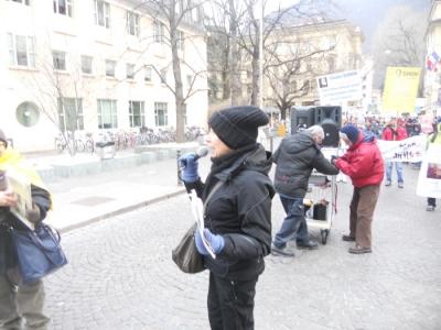 Bolzano 04.02.2012 manifestazione contro lo sfruttamento degli animali 85