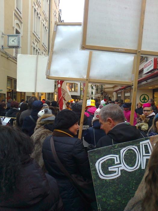 Bolzano 04.02.2012 manifestazione contro lo sfruttamento degli animali 267