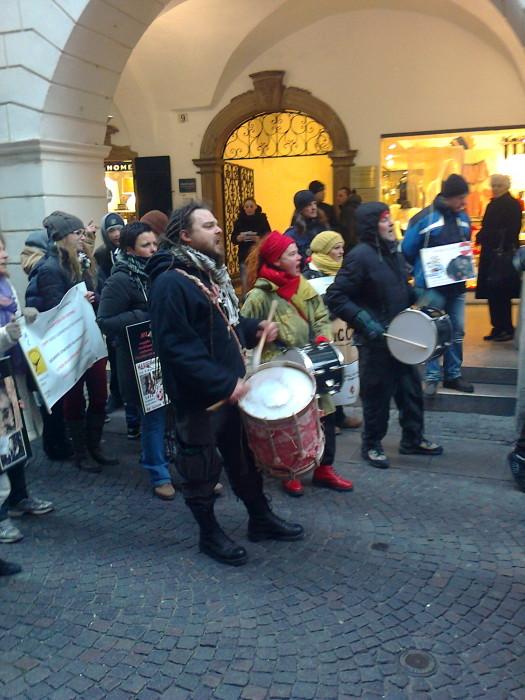Bolzano 04.02.2012 manifestazione contro lo sfruttamento degli animali 272