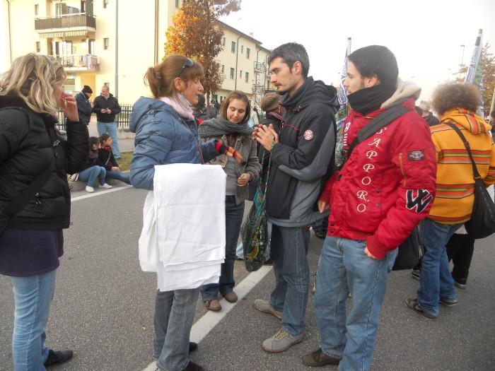 19.11.11- MANIFESTAZIONE CONTRO IL LAGER 170