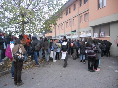 19.11.11- MANIFESTAZIONE CONTRO IL LAGER 42