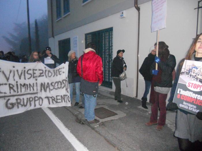 19.11.11- MANIFESTAZIONE CONTRO IL LAGER 201