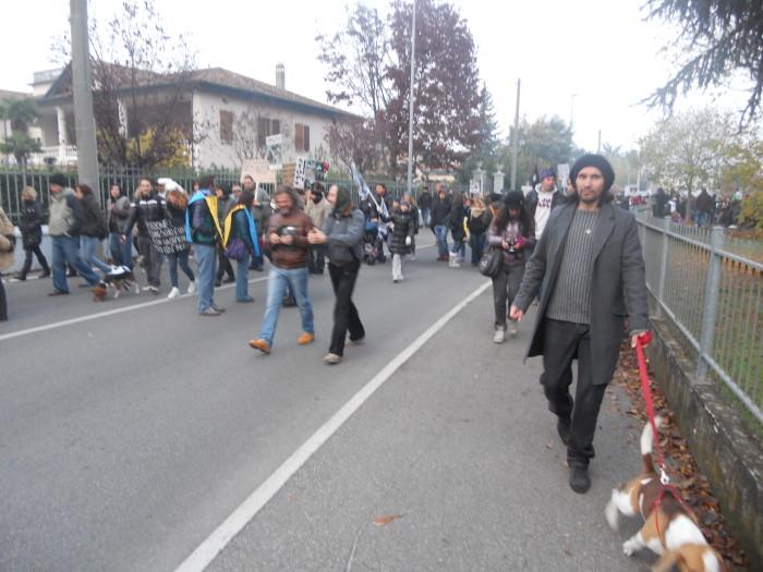 19.11.11- MANIFESTAZIONE CONTRO IL LAGER 260