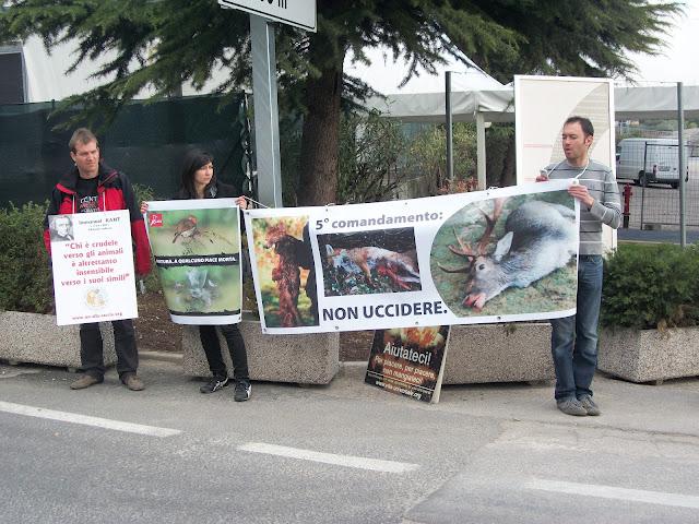 Presidio alla Fiera Caccia e Pesca di Riva del Garda 31.03.2012 223