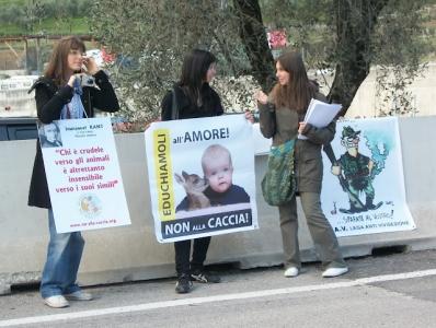 Presidio alla Fiera Caccia e Pesca di Riva del Garda 31.03.2012 90