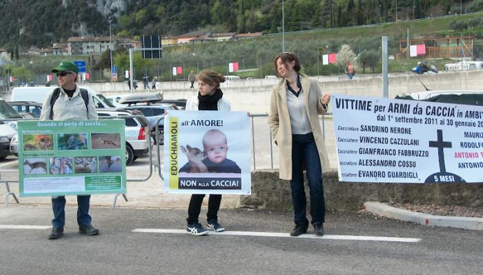 Presidio alla Fiera Caccia e Pesca di Riva del Garda 31.03.2012 264