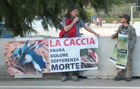Presidio alla Fiera Caccia e Pesca di Riva del Garda 31.03.2012 99