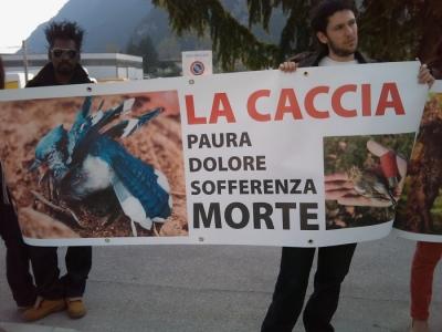 Riva del Garda 26.03 - Sit-in contro la fiera della caccia e della pesca 13