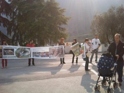 Riva del Garda 26.03 - Sit-in contro la fiera della caccia e della pesca 19