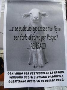 16 aprile 2011 - TAVOLO INFORMATIVO SU MASSACRO AGNELLI E CAPRETTI PERIODO PASQUALE 53