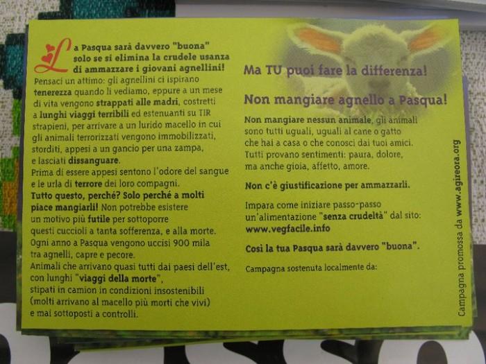 16 aprile 2011 - TAVOLO INFORMATIVO SU MASSACRO AGNELLI E CAPRETTI PERIODO PASQUALE 68